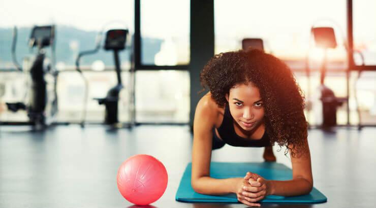 Workout-femme-cheveux-naturel